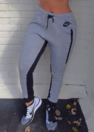 nike.sneakerssusa on  f0fa23d2619a