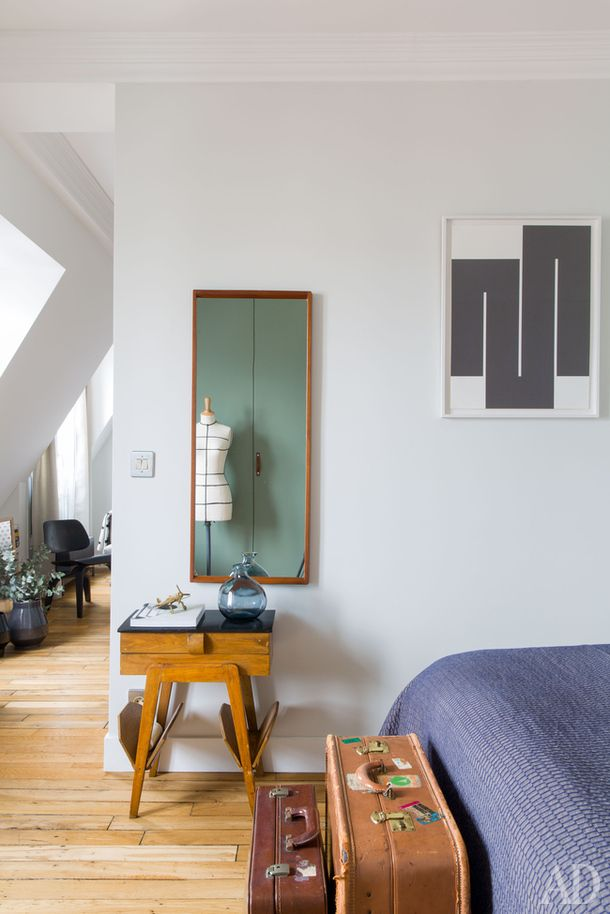 Un appartement sous les toits | Cosy bedroom, Small rooms and Bedrooms
