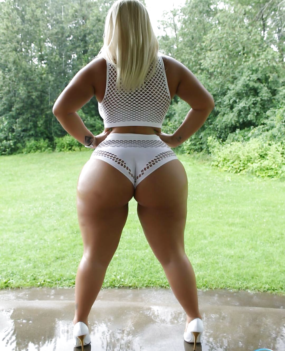 Wide Hips Phat Ass Curvy Curves