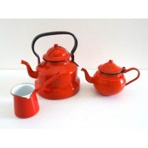 Service à thé émaillé rouge #service #thé #émaillé #rouge #vintage #classique #cuisine #table