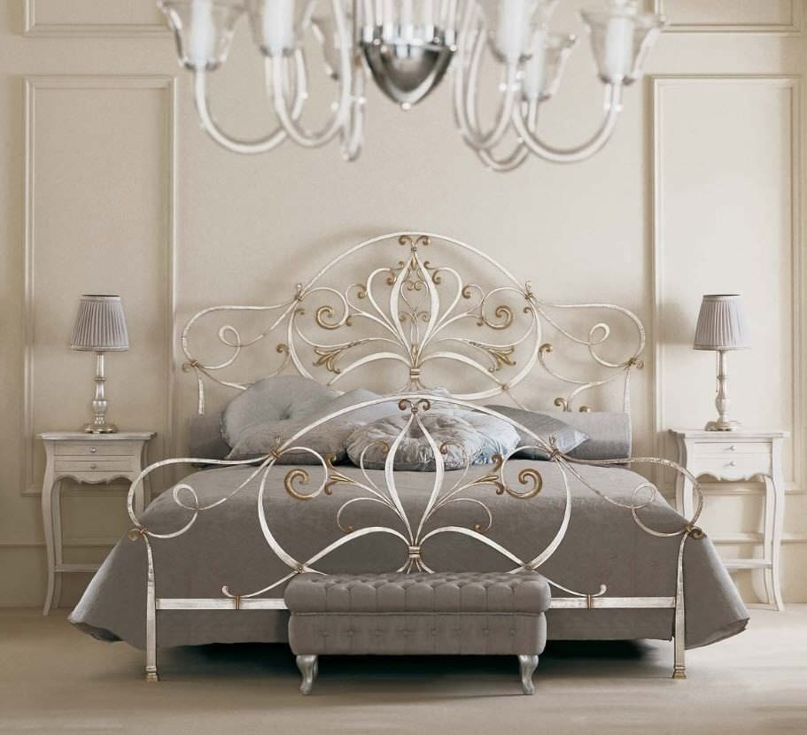 Double Bed Traditional Style Forged Iron Angelica Giusti