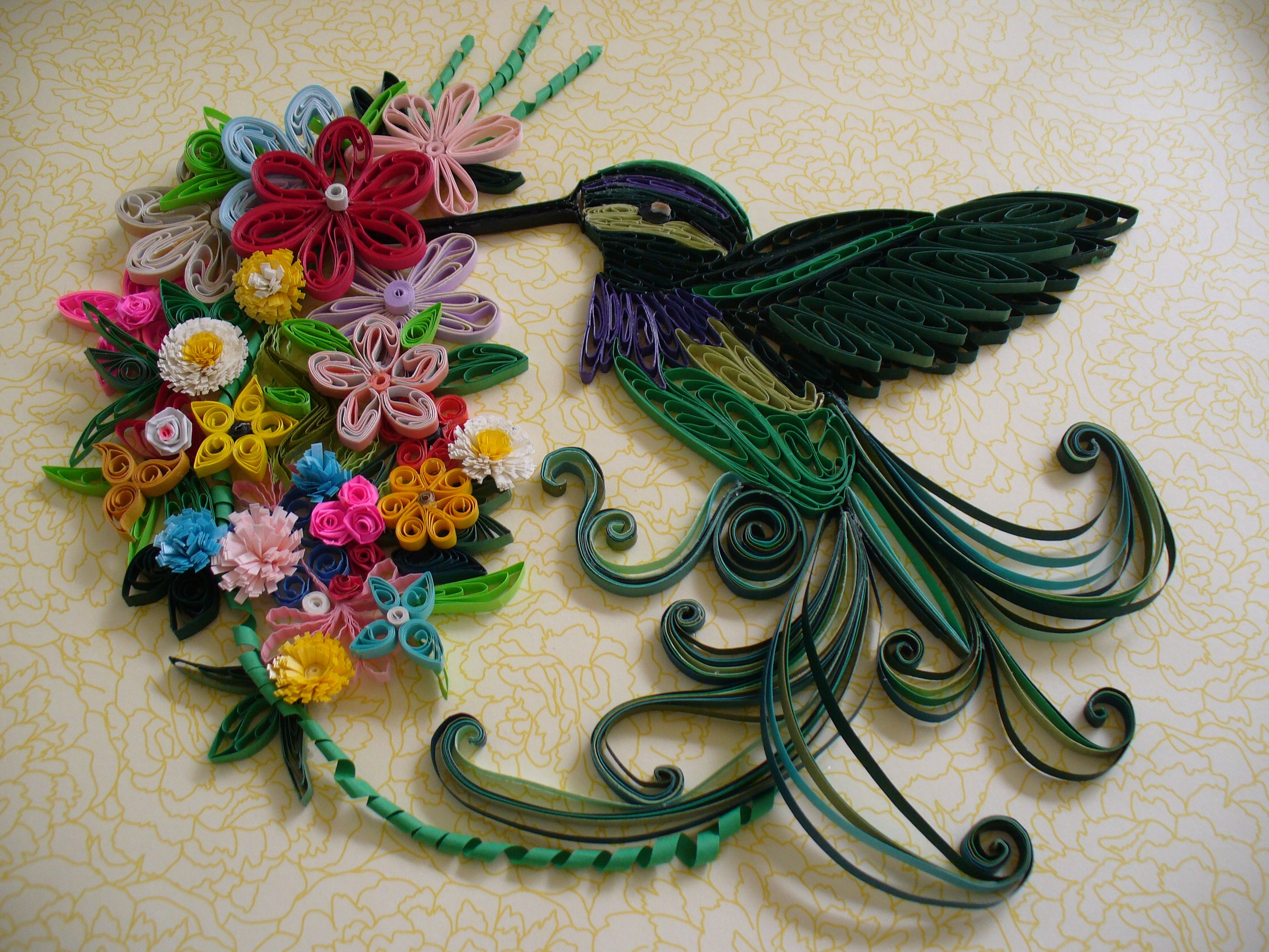 Beautiful quilled hummingbird and flower arrangement by for Quilling paper art