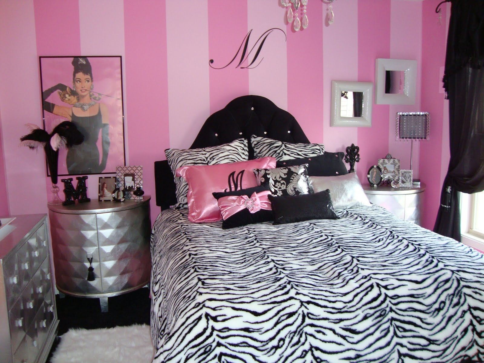 Enchanting Pink Bedroom Wall Art for Girl Room with Fancy Bed and