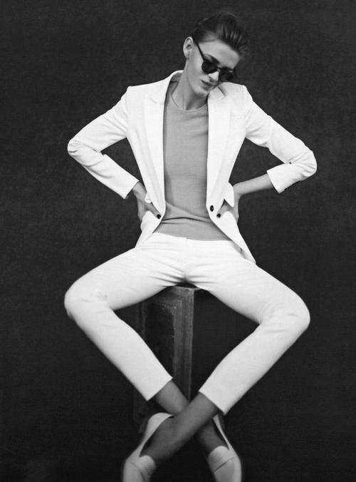 MINIMAL + CLASSIC: white suit | Fashion, Style, Fashion photoshoot