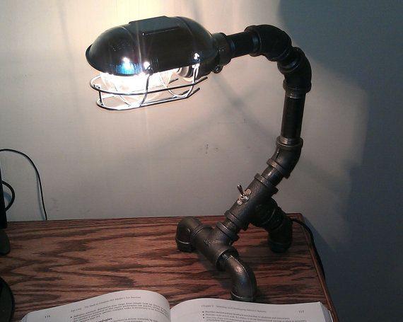 Lampe de bureau industrielle tuyau métallique noir pdl