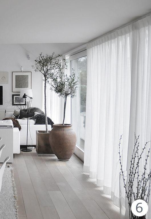 Design Outfit Tende Per Una Casa In Bianco Tende Per Interni Arredamento Soggiorni Grigi