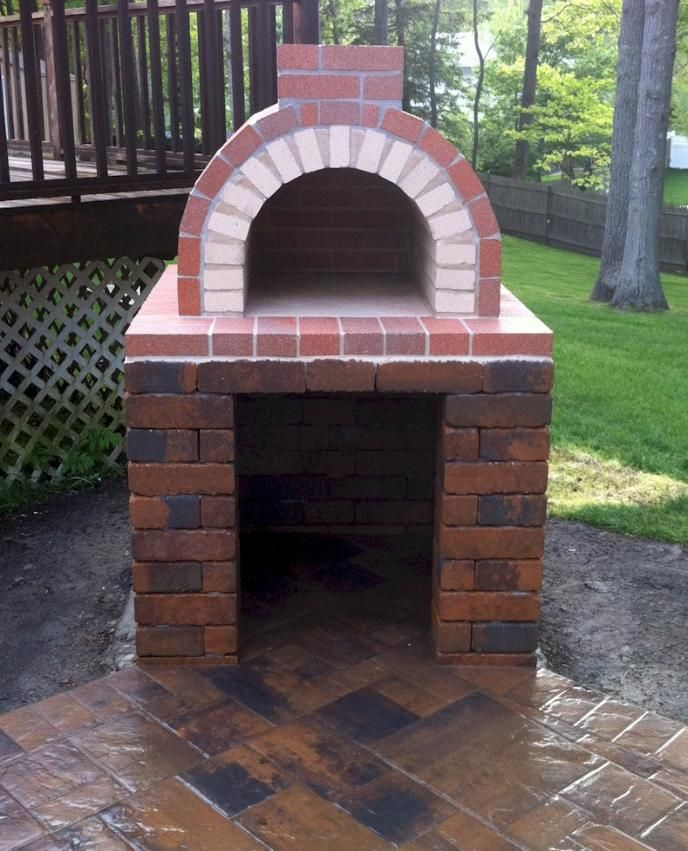 A Perfectly Constructed Diy Wood Fired Brick Pizza Oven This Features Hardscape Block Base And Red Firebrick On Tan