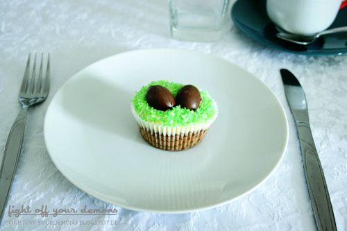 Easter Cupcakes with Buttercreme & Coconut Frosting