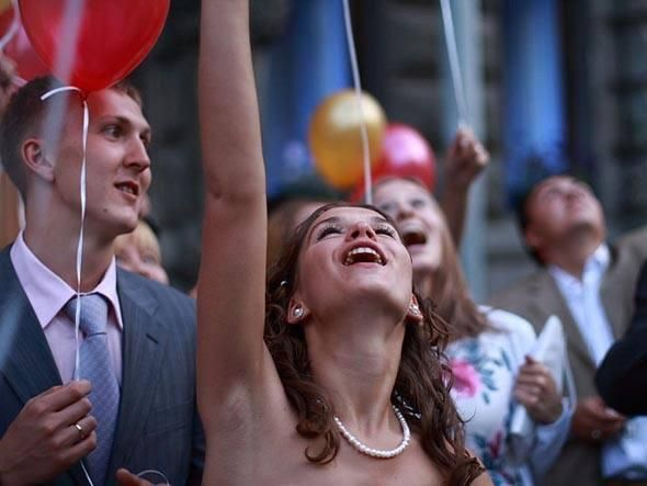 ENQUETE: Você sabe estimular a própria felicidade no trabalho? Faça o teste e avalie se você toma as atitudes corretas para ser mais feliz no trabalho.  http://exame.abril.com.br/carreira/quizzes/voce-sabe-estimular-a-propria-felicidade-no-trabalho