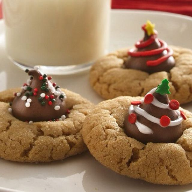 Sugar Cookies With A Decorated Hershey S Kiss On Top So Easy And So