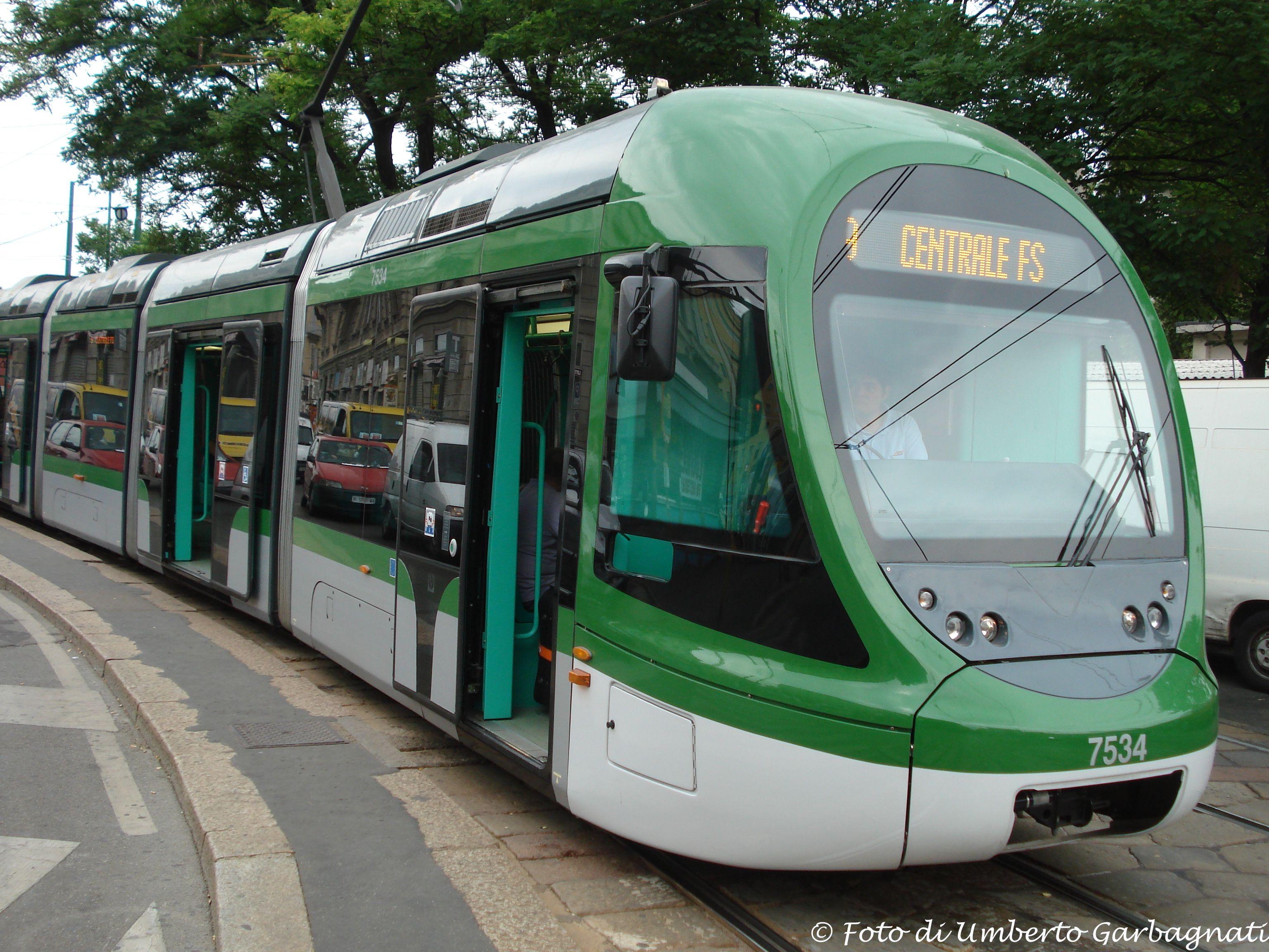 """.... vettura a 5 casse """"Sirio"""" bicolore verde  ATM-7534 .... 03 ago 2009 - © Umberto Garbagnati -"""