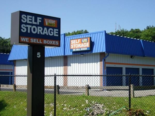 Find great offers like discounts and first month free service on climate controlled self storage units & Find great offers like discounts and first month free service on ...