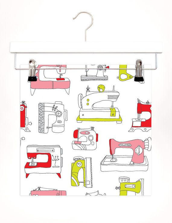 Vintage sewing machine for your crafty diy office wall. Cute interior inspiration.