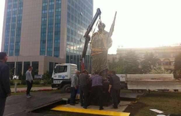 Sot në Prishtinë bëhet inaugurimi i shtatores së Ismail Qemalit