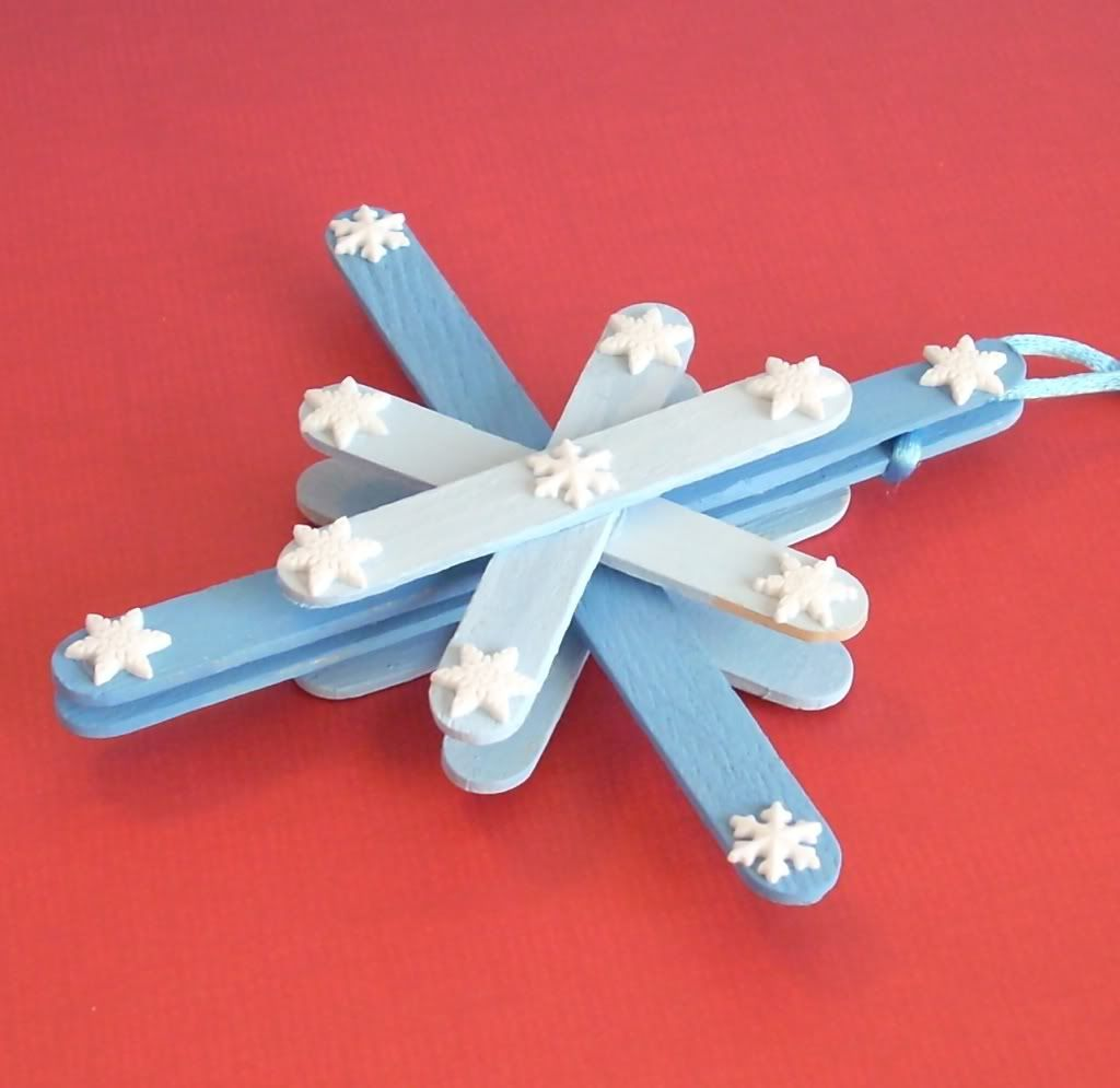 Snowflake here 39 s the miniature ornament beside the real for Christmas projects with popsicle sticks