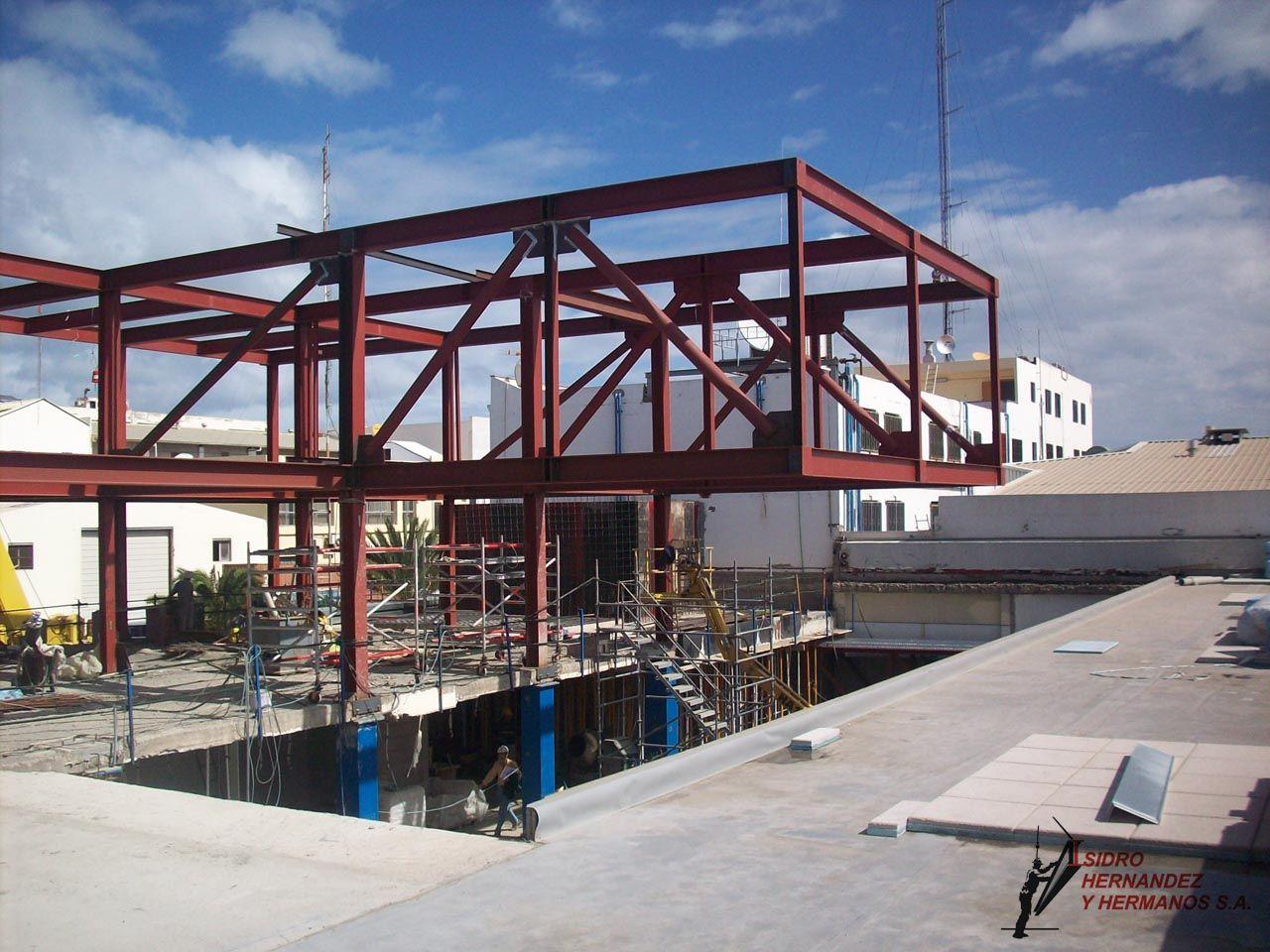 Estructuras metalicas voladizo edificio buscar con - Estructura metalicas para casas ...