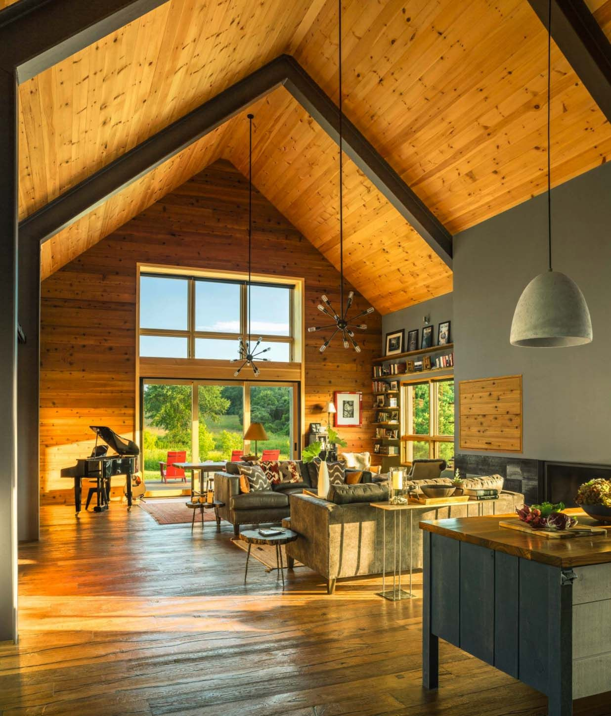 Modern Interior Design For House: Small And Cozy Modern Barn House Getaway In Vermont