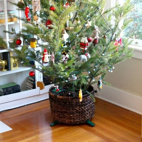 Christmas Tree Basket Stand Christmas tree, Cut paper and Tree skirts