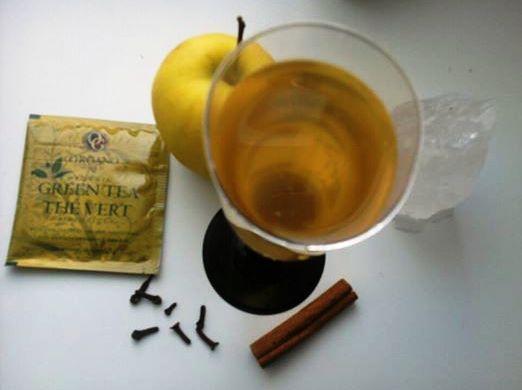 Bloder Engel Gruner Tee Aus Organischem Anbau Mit Ganoderma 1 Apfel Zimtstange Und Nelken Gruner Tee Tee Und Zimtstangen