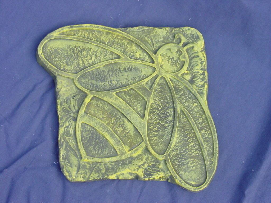 Bumblebee Bumble Bee Stepping Stone Plaster or Concrete Mold 1284 Moldcreatons