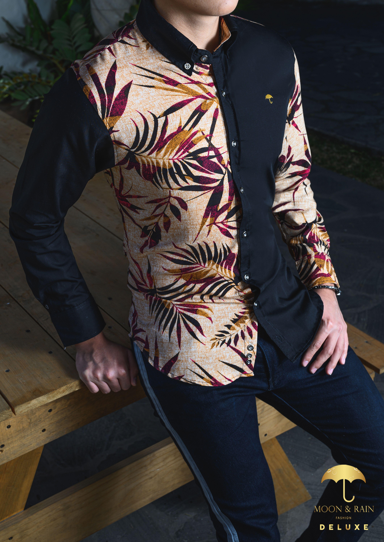 Camisa Negra con Hojas Vino en 2020 Atuendo, Jeans de