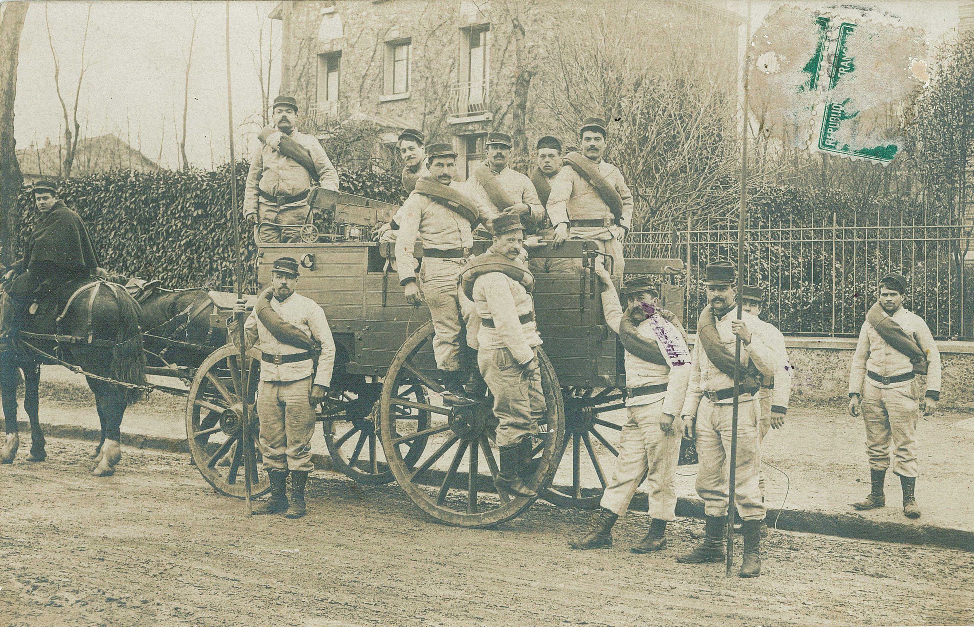 Contribution de Colette Debrée, AD76 - Groupe de soldats. 1num0083