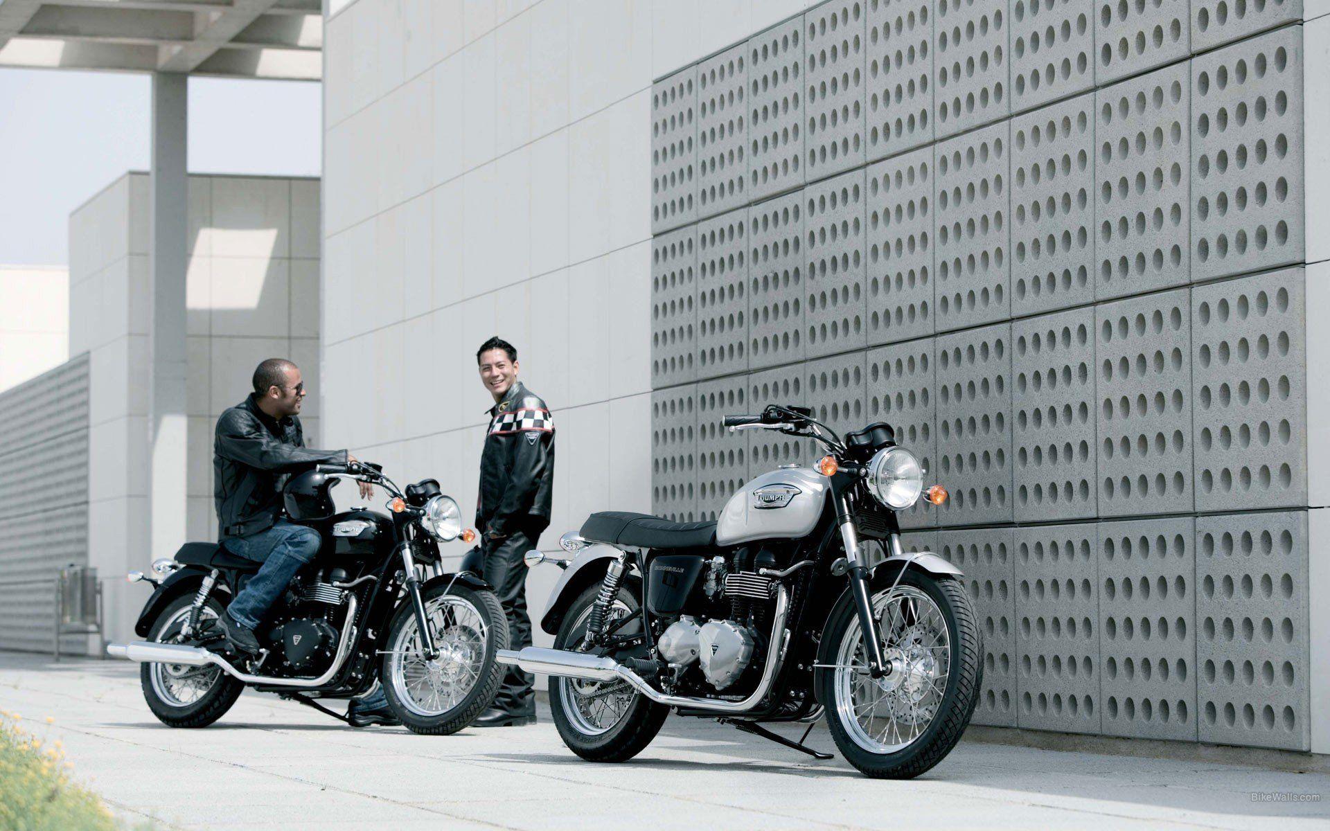 Triumph Thunderbird Bike Wallpaper Hd For Desktop Mboile 1024768