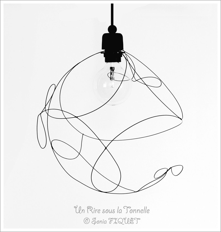"""Luminaire suspension en fil de fer """"Lég¨reté"""" & libellules"""