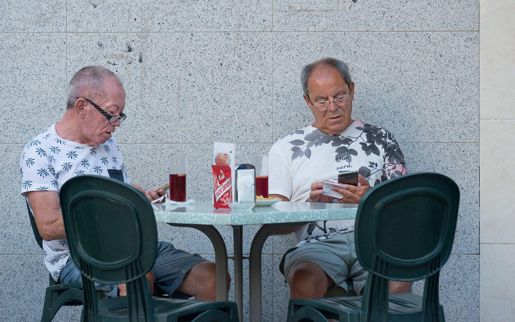 Aislamiento o adicción al teléfono