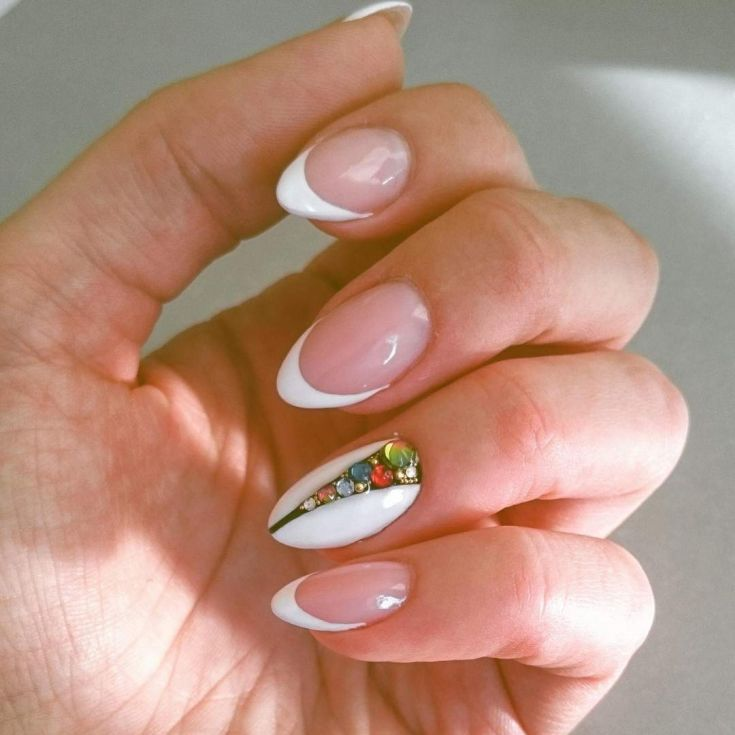 110 This Is A Simple And Cute Design On The Ring Finger For White French Tips 2018