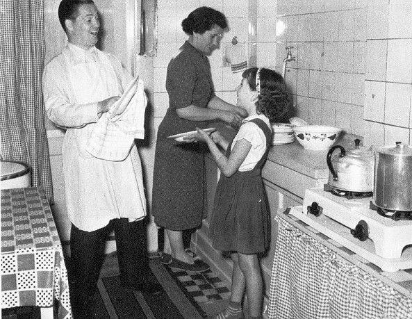 Jaren 50 Keuken : Jaren keuken met jaren gezin in dit geval de alberti s