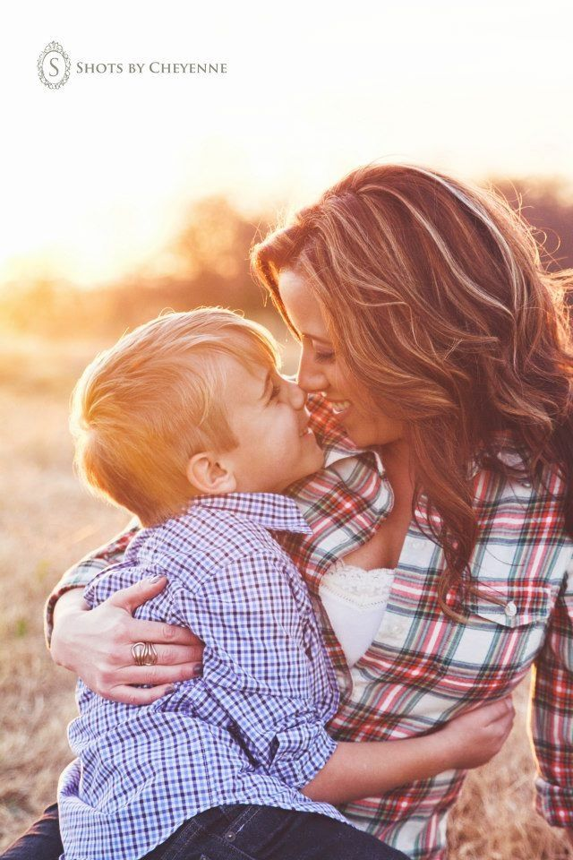 Family Picture Pose Ideas With One Child Parenting Moments