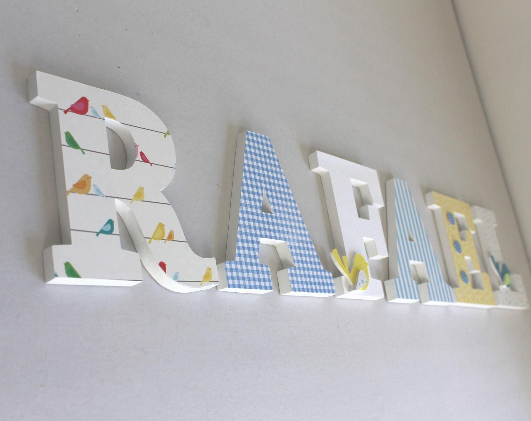 lettres en bois RAFAEL tons bleu jaune blanc avec des oiseaux