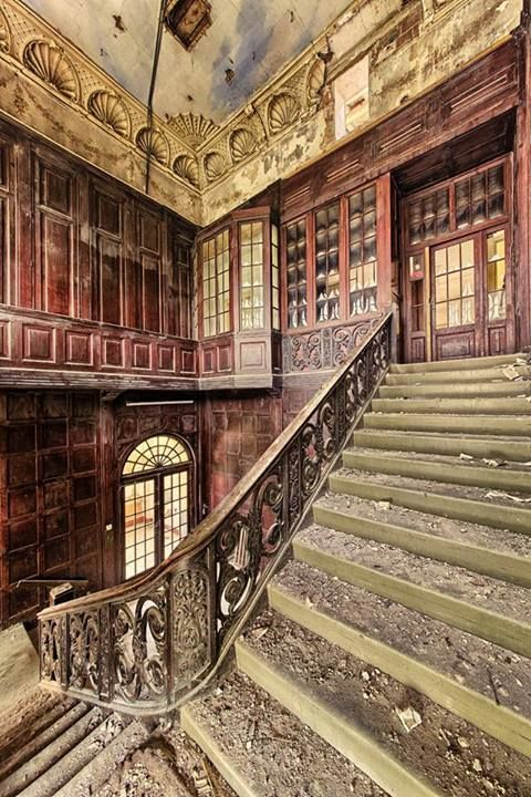 Beautiful and abandoned.  Photo by Matthias Lochmann