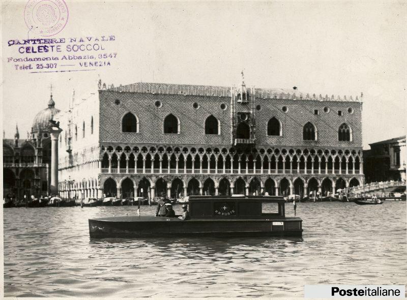 Motoscafo realizzato dal cantiere navale celeste soccol - British institute milano porta venezia ...