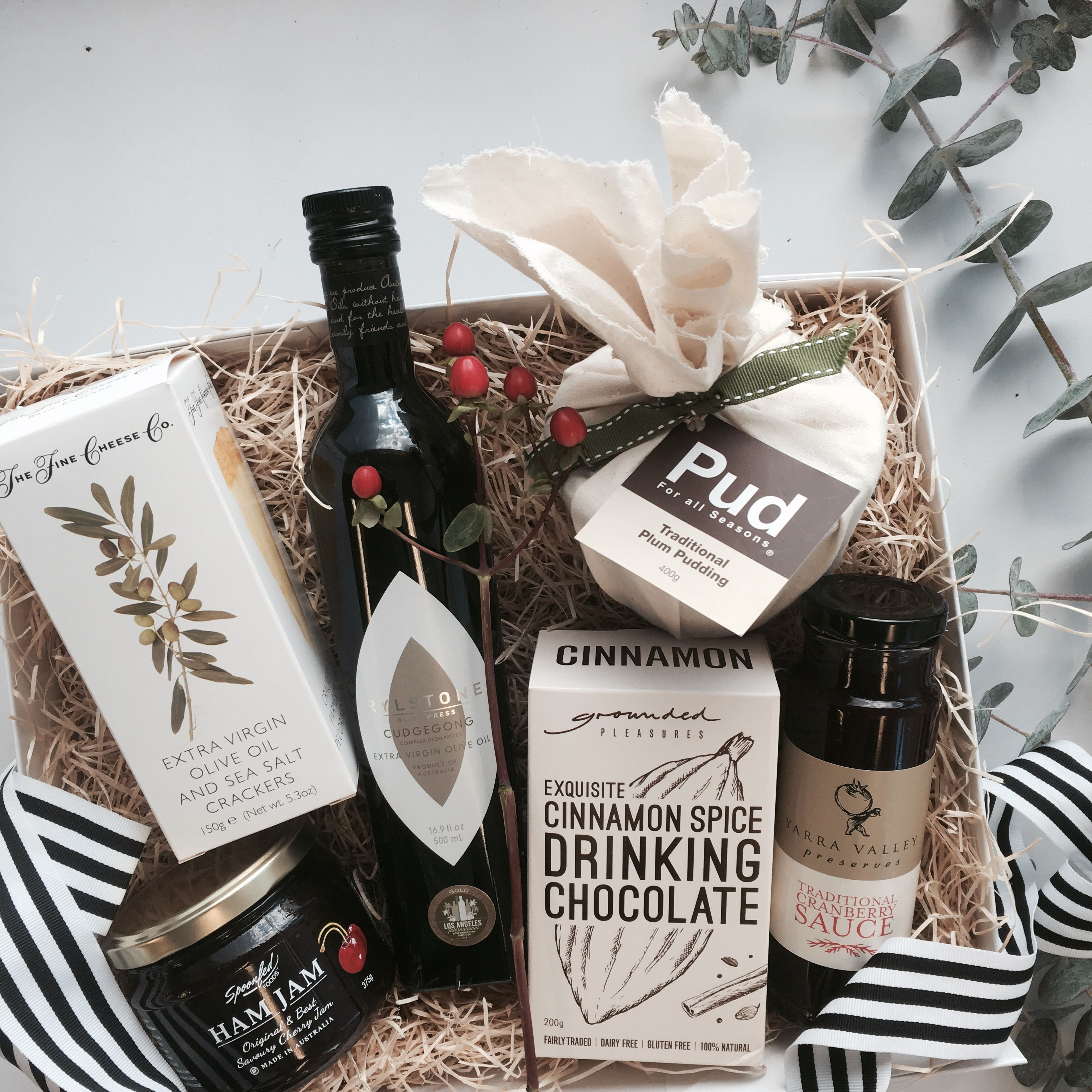Christmas gifts and hamper ideas christmas is complete with christmas gifts and hamper ideas christmas is complete with everything you need to share some negle Choice Image