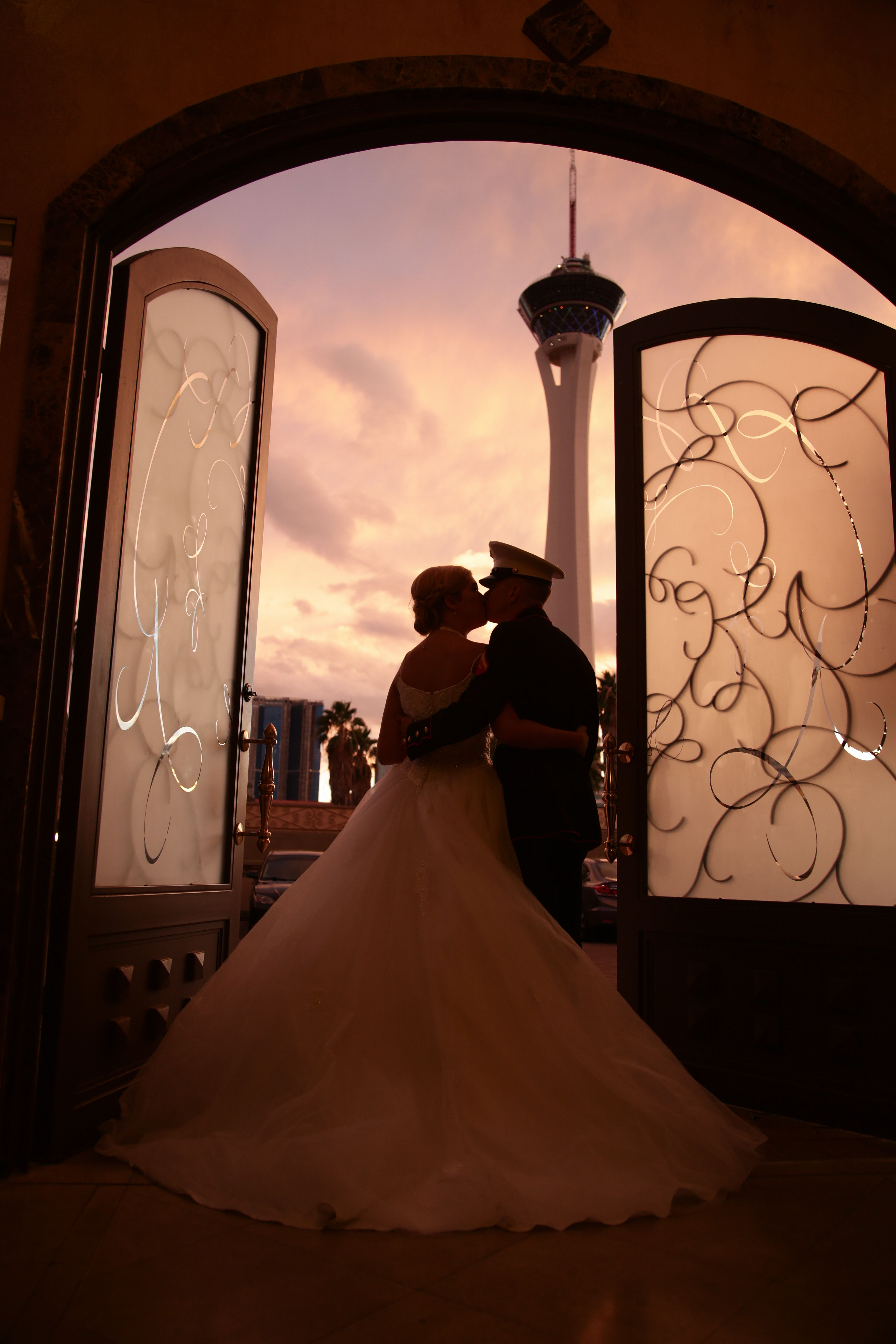 Browse Our Las Vegas Wedding Packages And Choose From Lake Chapel Of The Flowers Or Grand Canyon Find Your Package Here