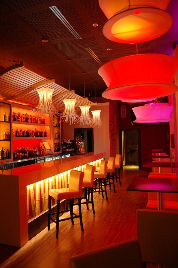 Resultado de imagen de decoracion restaurantes modernos   Barra de ...
