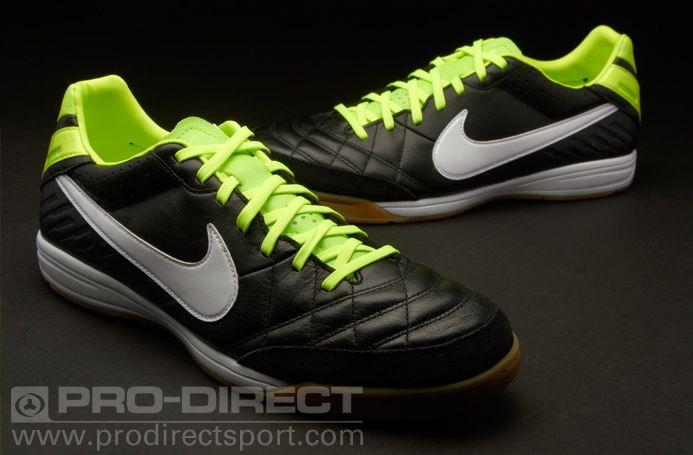 green nike trainers nick football shoes