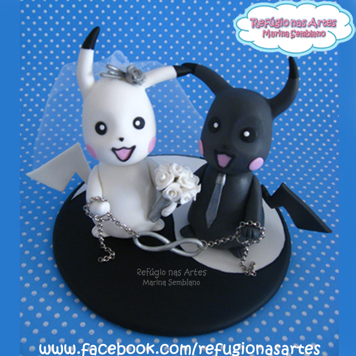 Casamento - Topo de Bolo Pokemon / Wedding - Pokemon Cake Topper. Mais peças em www.refugionasartes.blogspot.com/ Encomendas e informações para o e-mail: refugionasartes@gmail.com Handmade decorative Wedding Cake Topper and souvenirs made with cold porcelain. Unique and personalized products that perpetuate special moments. More products in www.refugionasartes.blogspot.com/ Orders and information by e-mail: refugionasartes@gmail.com Facebook: www.facebook.com/refugionasartes