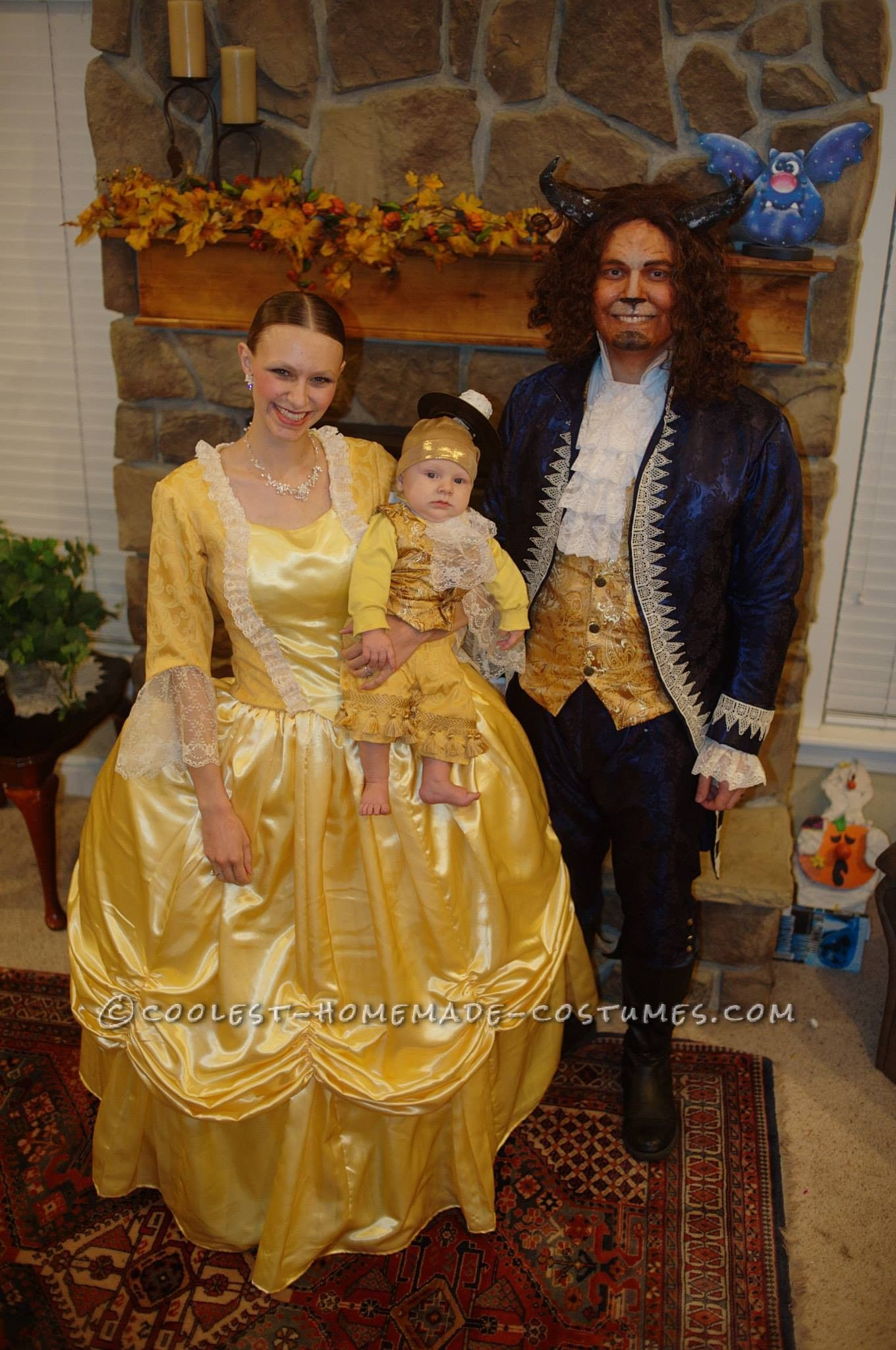 Cute Family Disney Halloween Costumes.Beauty And The Beast With Baby Lumiere Family Costume Coolest