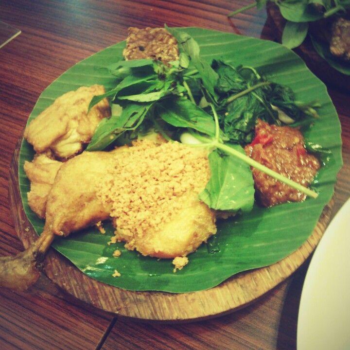 Ayam Penyet Ria Ayam