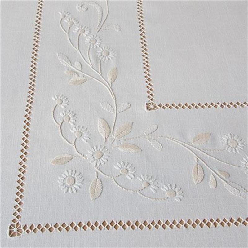 Ricami E Pizzi.Tovaglia Rustica Ricami E Pizzi Ricamo Hand Embroidery