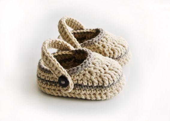 0dc0478eb8d chaussons de bébé en crochet type crocs 4