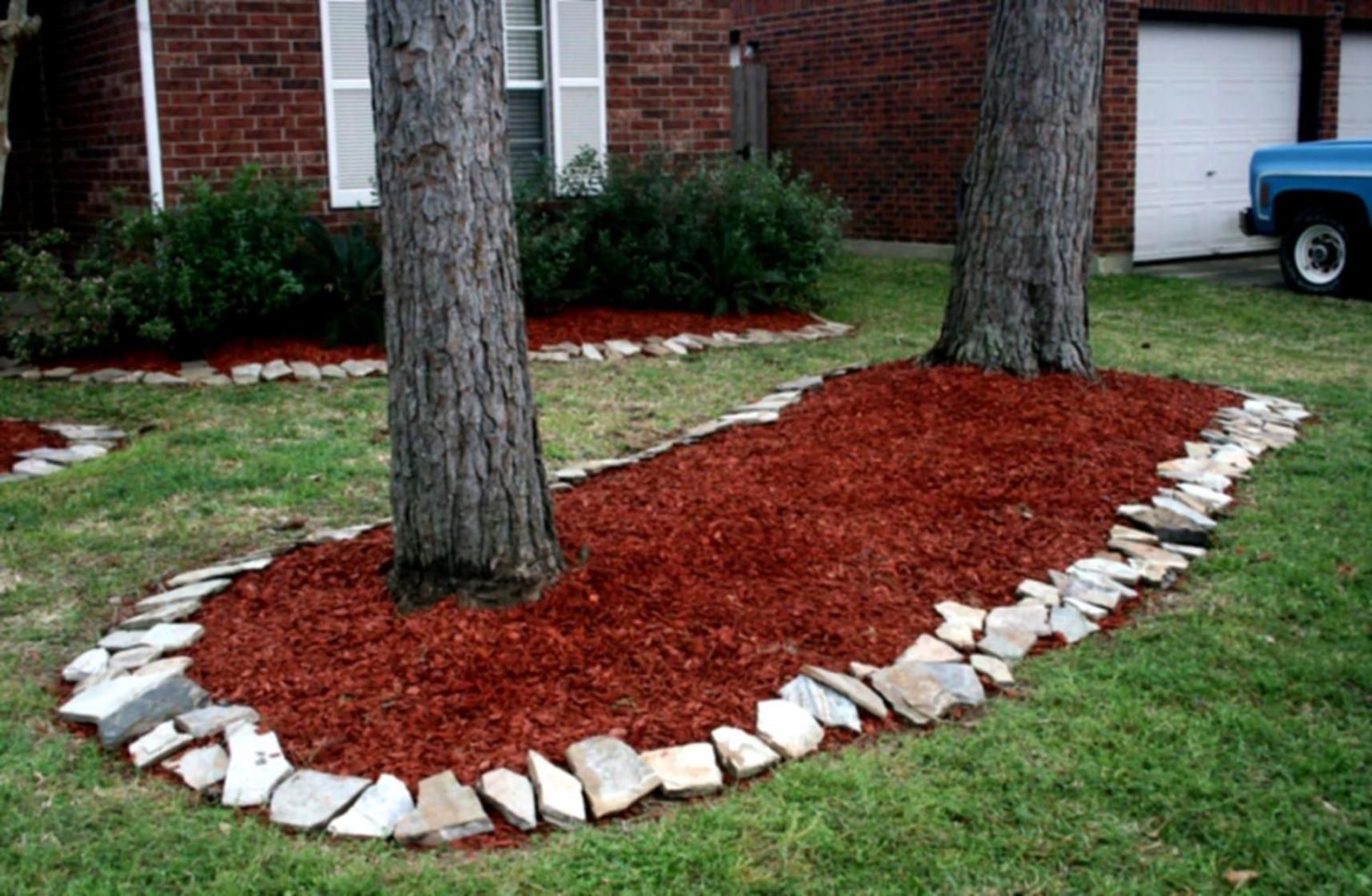 35 Cheap Landscaping Ideas With Rocks And Mulch With Images