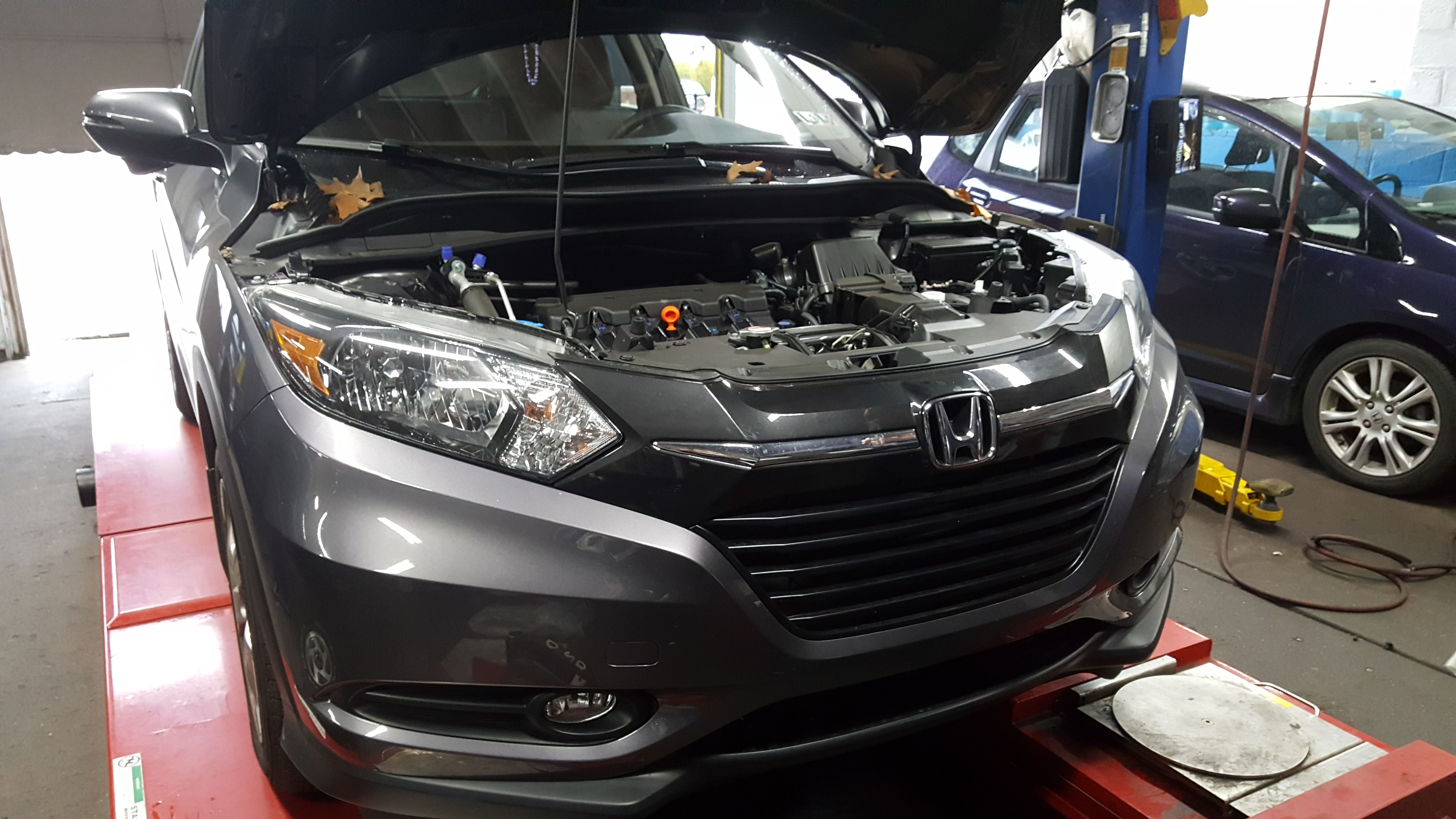 Honda Repair Shop >> Honda Hrv And Honda Fit At Our Service Facility For Service