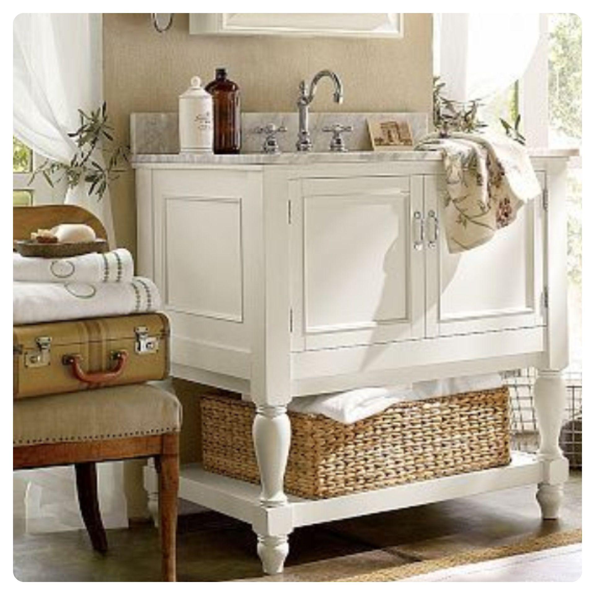 Vintage bathroom decor... Shabby chic bathroom. Country living ...