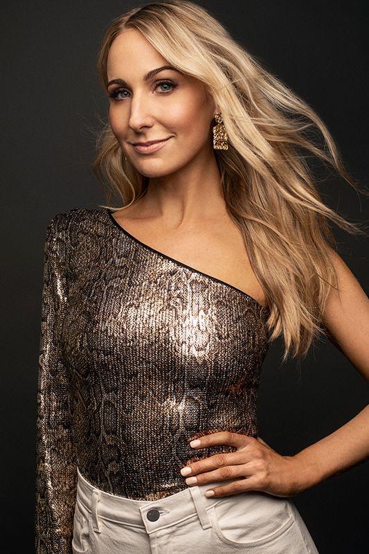 Nikki Glaser Biography: Age, Height, Net worth, affairs ...