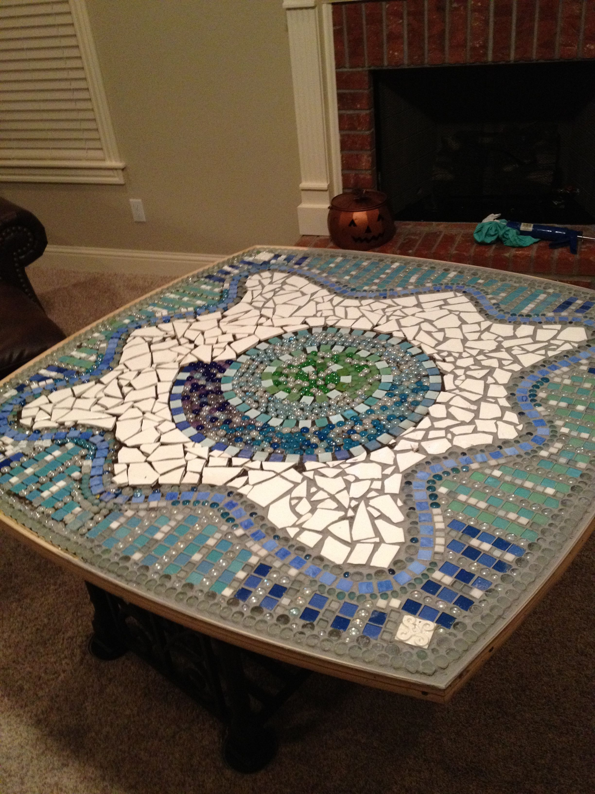 Do it yourself mosaic table-top!! Cheap tiles from tile ...