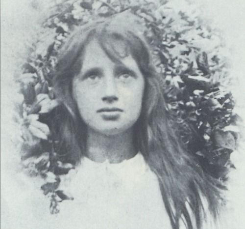 Image result for virginia woolf as a child of 13